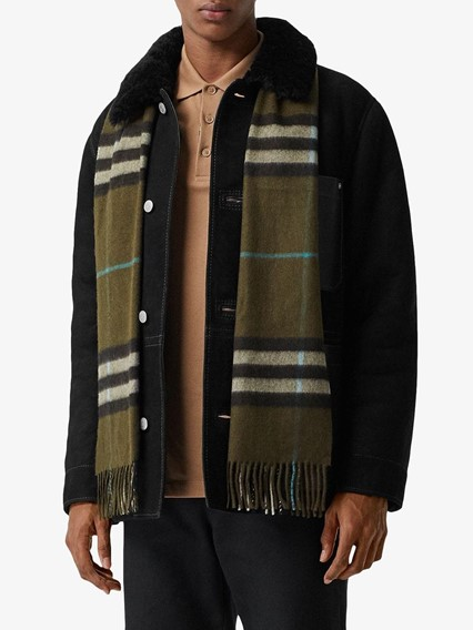 BURBERRY LONDON ENGLAND GIANT SCARF