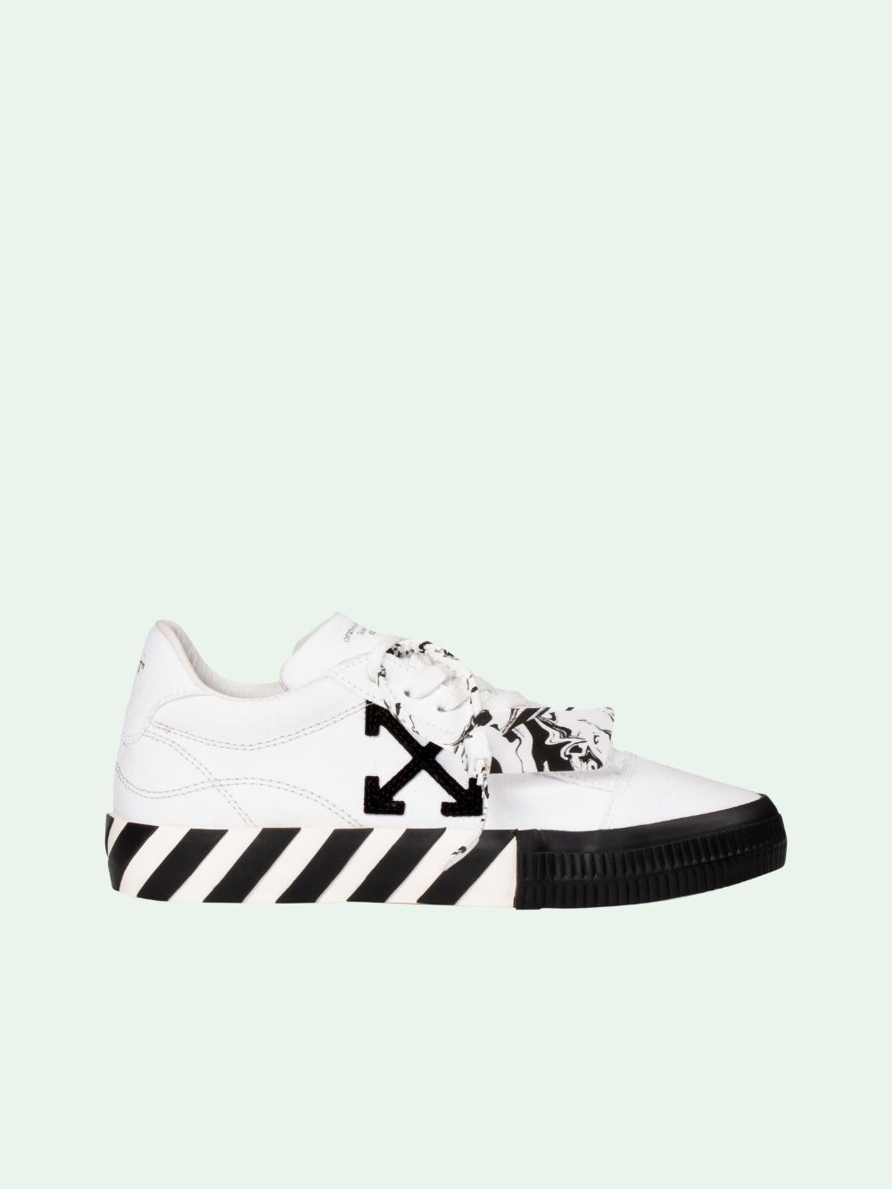 Off-White Low tops LOGO LOW SNEAKERS